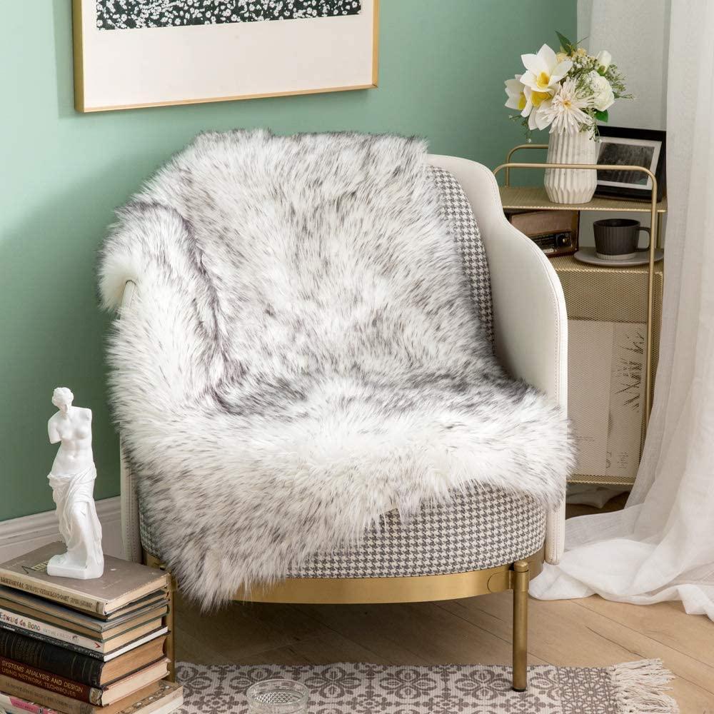 MIULEE Luxury Super Soft Fluffy Area Rug Faux Fur Rectangle Rug Decorative Plush Shaggy Carpet for Bedside Sofa Floor Nursery 2 x 3 Feet, Gradient Grey