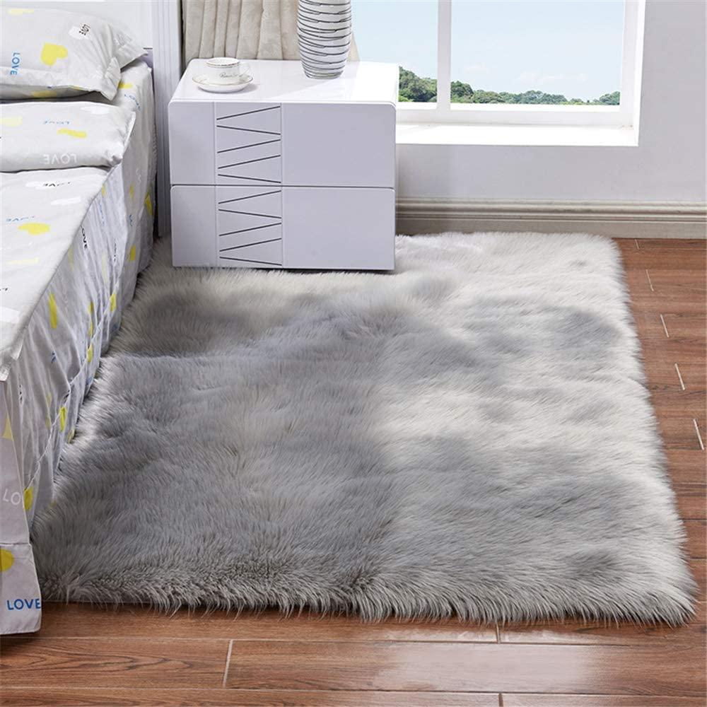Briskaari Soft Fluffy Faux Sheepskin Fur Area Rugs,4 ft x 6 ft Rectangle Faux Fur Carpet for Living Room Bedroom Dining Room Nursery Foyer or Home Office Home Decor Floor Carpet (2.6ftx6ft, Gray)